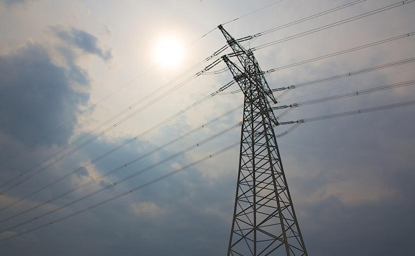 Schilda|Berlin| Nationale Sicherheit: Strom gibt es nur dann, wenn der Wind weht und die Sonnescheint.